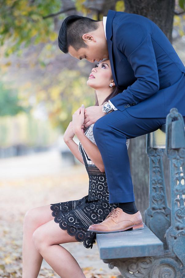Paris pre wedding photos at the Eiffel Tower Tuileries Gardens