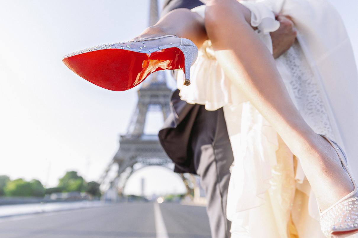 Paris Wedding Photographer paris wedding photos at the Eiffel To