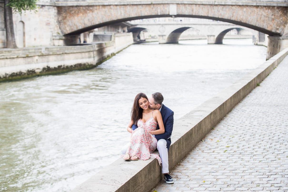 Paris photographer Notre Dame paris engagement photos Seine Rive