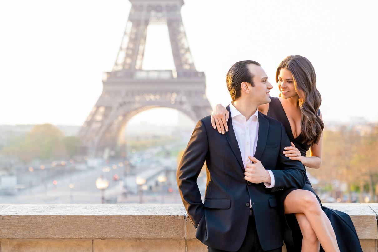 Eiffel Tower couple photos