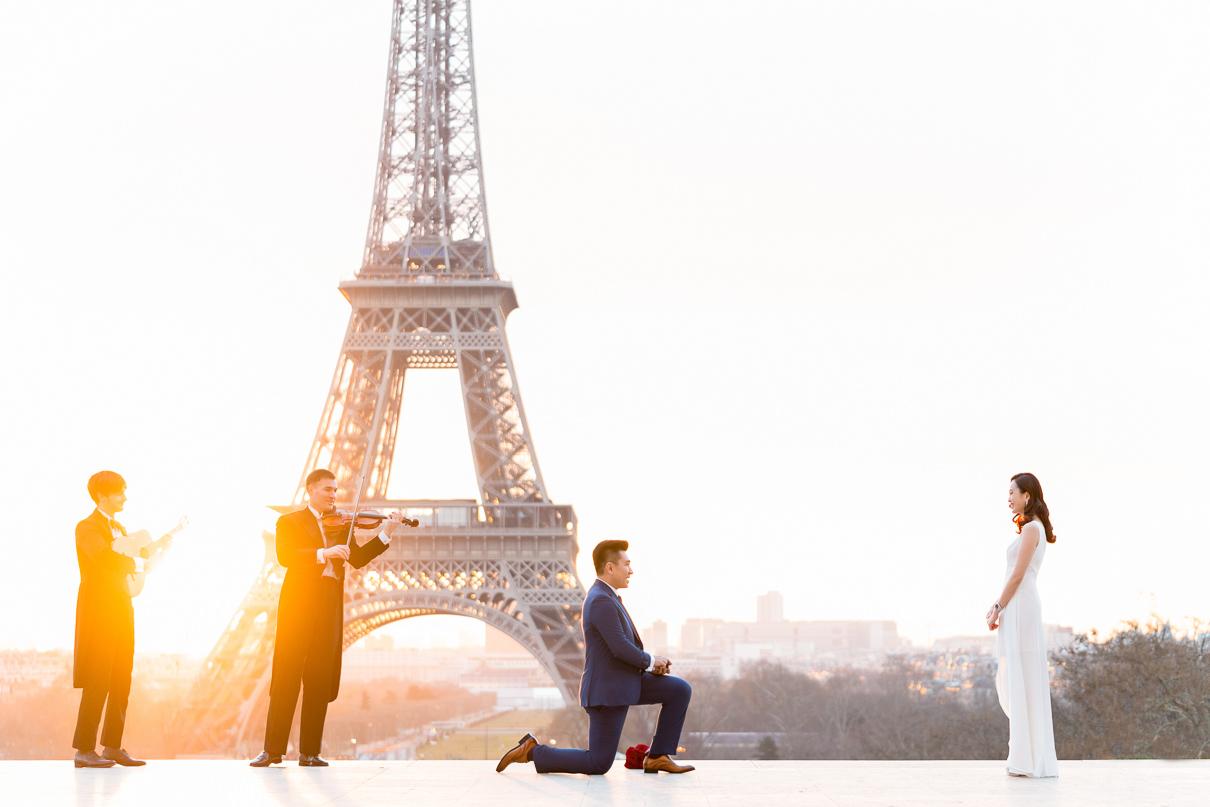 Paris Surprise Proposal Paris photographers Eiffel