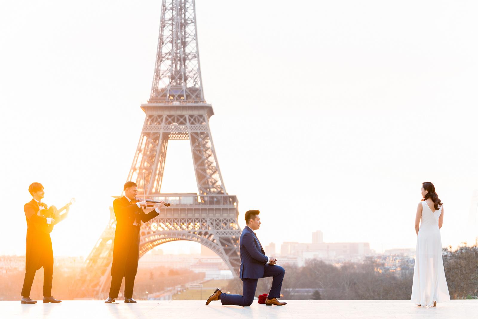 Paris proposal Photographer award-winning surprise marriage proposals